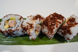Uramaki Peking eend tamago eend lente ui